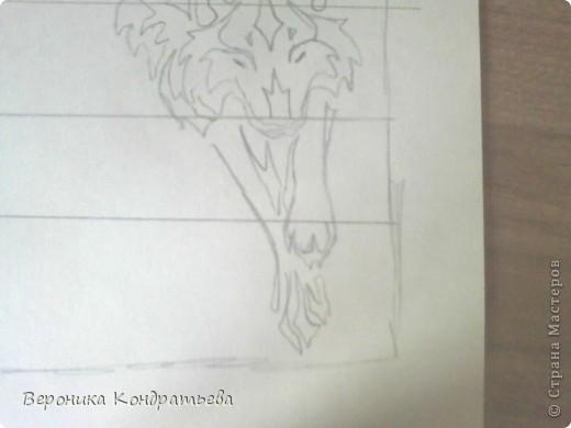 Я очень люблю волков и лошадей, а такие рисунки просто обажаю, вот решила нарисовать такую татуировку поэтапно. Приступим? Берем листок бумаги и рисуем на нем прямоугольник размером 24,5х15,5 см. Делим этот прямоугольник на горизонтальные полоски. расстояние между каждой полоской разное. 1 полоска- 3,2 см. 2 полоска- 3,6 см. 3 полоска- 3,6 см. 4 полоска- 3,3 см. 5 полоска.- 3,3 см. 6 плооска-2,7 см. 7 полоска- 4, 5 см. Нарисовали? Давайте двигаться дальше. фото 10