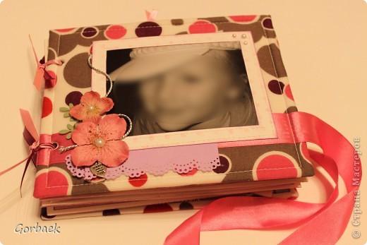 Альбом для девочки на ДР. Размер 16на20. Мягкая обложка. И коробка к нему. Вот некоторые странички. фото 1