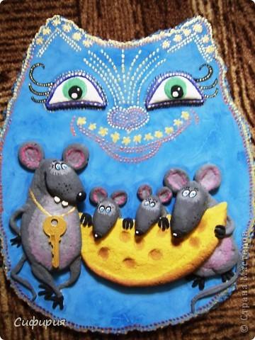 День добрый!!!Хочу вам показать котейку с мышатами, на эту работу вдохновили замечательные рисунки художника Льва Бартенева. Сегодня я дорвалась до фоток и загрузила целую кучу одним махом! Ура...ура..ура! Так что тапками чур не бросаться...оцените мои труды загрузки фоток и досмотрите до конца! ))))) фото 1