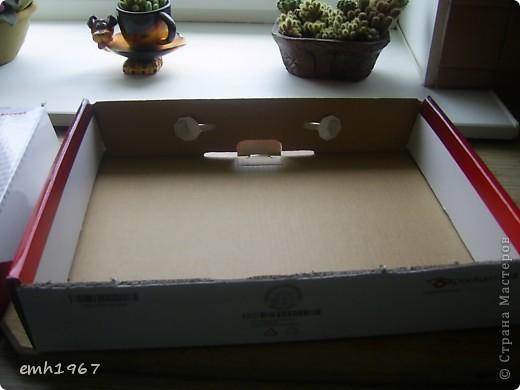 Сшила постельный комплект в подарок. Нужно было его как-то красиво упаковать. вот и пришла в голову идея сплести упаковочную коробочку. Лаком покрою завтра,сегодня не утерпела,решила поделиться. Комплект тоже завтра.... положу в коробочку.. фото 2
