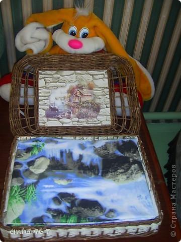 Вот так выглядит мой подарочный набор : комплект постельного белья (самошитые : 3 наволочки, большая простынь и стандартный пододеяльник),коробочку плела здесь http://stranamasterov.ru/node/404417 фото 1