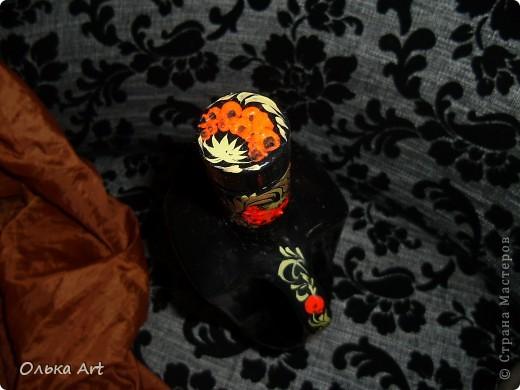 Хочу представить Вам мою бутылочку ,которую я расписала  петриковской росписью. Расписывала маслеными красками. фото 4