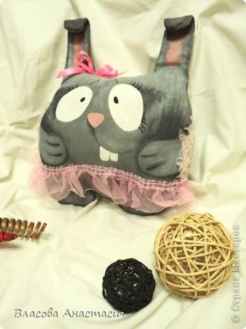 """Спасибо за вдохновление на пошив игрушек Оленьке """"Захария""""!А за идею по созданию моей Чуни,спасибо мастерице,у которой случайно наткнулась на ссылку http://konopyshka.blogspot.com/2010/11/blog-post_4391.html фото 3"""