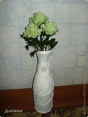 слепились у меня такие зеленые розы,очень их люблю,но меня терзают смутные сомнения,может их подразукрасить немного,только какой цвет использовать - не знаю,думала может беленьким слегка пройтись. Или вовсе их не трогать,чтоб не испортить??? фото 3