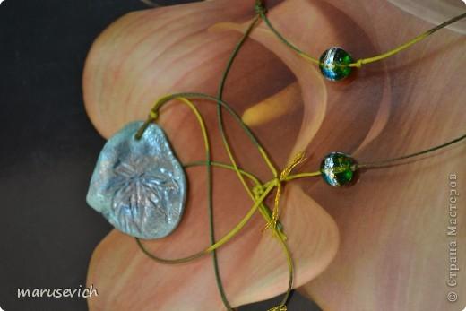 кулон с розами, тонирован золотисто-черным, есть металлический перелив фото 9