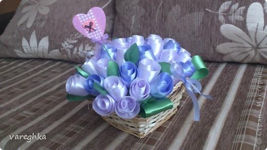 корзинка с розами из лент(душистая) фото 1