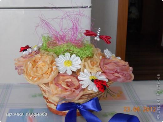 доброго времени суток дорогие мастерицы!!! поступил мне заказ на корзинки с цветами!!! пришлось пока отложить бокальчики!!! (позже выложу фото и все расскажу). я долго думала какие цвета  и цветы необходимо использовать!! потому что поплосили нежность!!! надеюсь получмлось!!!??? фото 4