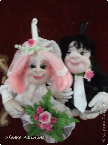 """Здравствуйте,дорогие мастерицы! Вот сделала по заказу жениха с невестой. Времени было """"в обрез""""- 1 день- поэтому сделала """"Попиков"""" Немного размытая фотка получилась- но ничего- ниже есть отдельные, там лучше видно........... фото 1"""