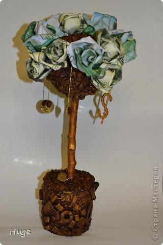 """Деревце сделано на одном дыхании в подарок человеку, профессиональная деятельность которого напрямую связана с компьютерными комплектующими. Отсюда тематика """"вазона"""". фото 1"""