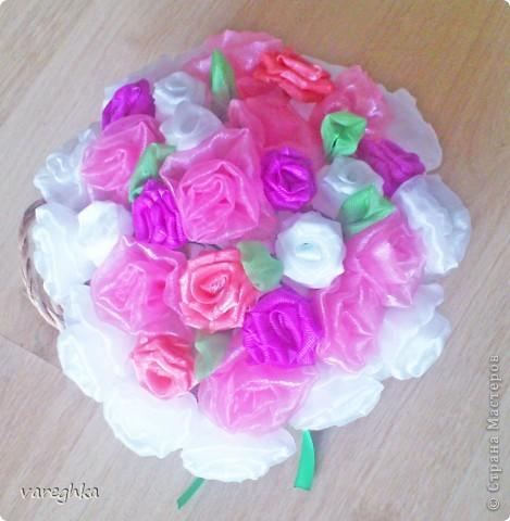 корзинка с розами из лент(душистая) фото 6