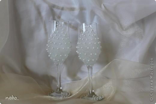 Украшаем свадебные бокалы бисером своими руками
