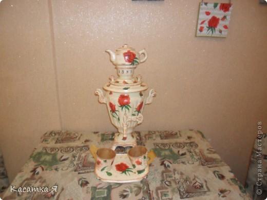 Набор к чаю - самовар , заварник и кружечки с тарелочкой. фото 1