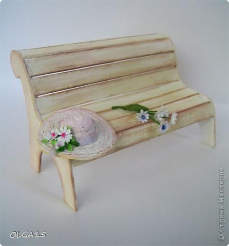 Миниатюрная скамеечка из пивного картона. Высота 8 см., длинна 12 см. фото 11