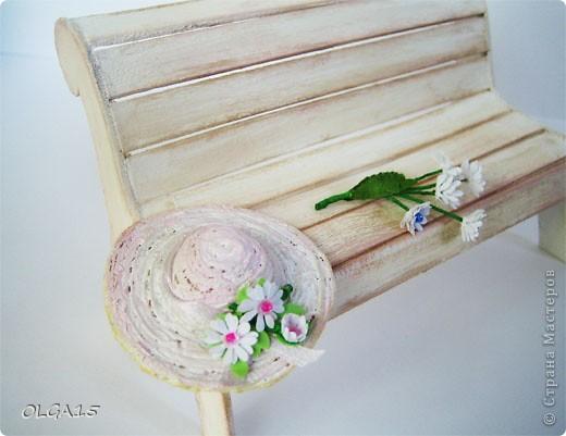 Миниатюрная скамеечка из пивного картона. Высота 8 см., длинна 12 см. фото 14