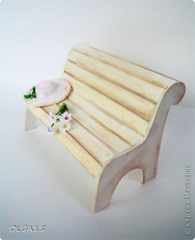 Миниатюрная скамеечка из пивного картона. Высота 8 см., длинна 12 см. фото 16