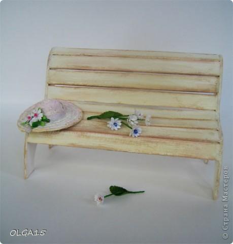 Миниатюрная скамеечка из пивного картона. Высота 8 см., длинна 12 см. фото 17