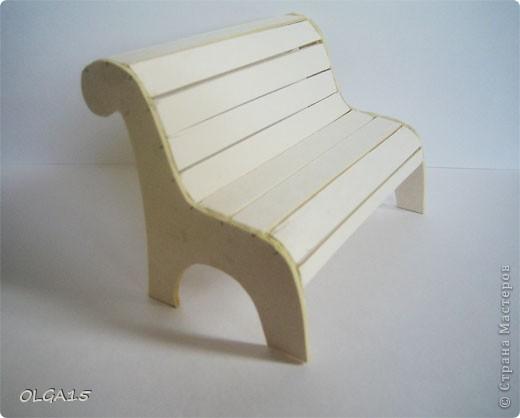Миниатюрная скамеечка из пивного картона. Высота 8 см., длинна 12 см. фото 5