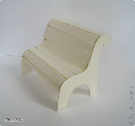 Миниатюрная скамеечка из пивного картона. Высота 8 см., длинна 12 см. фото 6