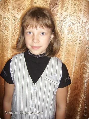 Еще костюм - юбка-брюки и жилет - племяннице к школе. В качестве подклада, на спинке жилета и у карманов юбки блузочный блестящий шелк. фото 4