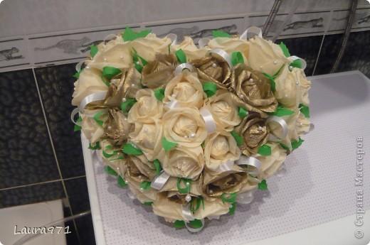 Лежачее сердце-букет делать не хотелось, поэтому родилась идея букета на подставке. фото 1