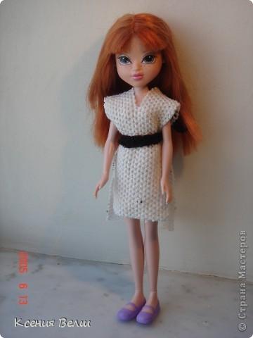 """13 августа появилась у нас новая кукла - Кристина. Она из Moxie Girls, и изначально ее звали Келлан, но Настенька ее переименовала. Показываю ее в """"родном"""" наряде: фото 4"""