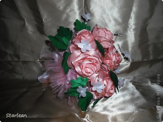 вот такой букетик -дублер я делала для сестры на свадьбу.хочу показать как я делала основу под букетик, на примере другого букета фото 2