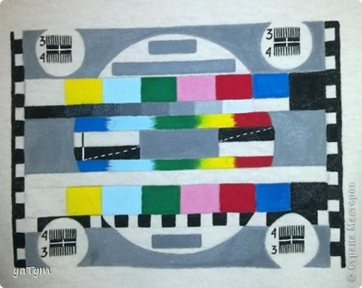 Настроечная таблица ТВ.  Очень хотела себе футболку с таким изображением (работаю на ТВ просто)). Одна их моих первых работ. Корявенько конечно, но приятно, что своими руками ;) фото 1