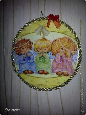 Подарки от всего сердца для родных и близких :) Сделано с любовью...  Комплектик: баночка с жидким мылом и картинка-панношка на CD. У баночки по бокам оставлены незакрашенные полосы, чтобы знать уровень мыла. фото 17