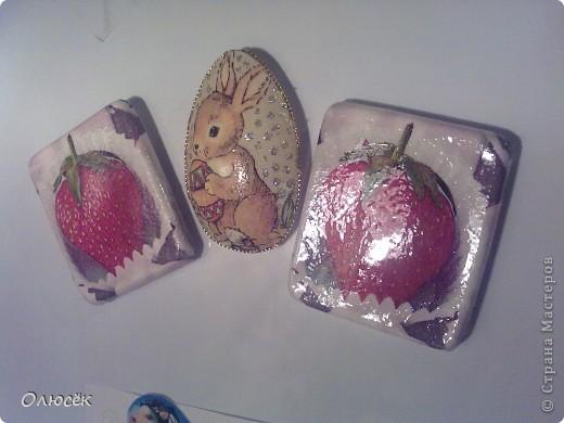 Подарки от всего сердца для родных и близких :) Сделано с любовью...  Комплектик: баночка с жидким мылом и картинка-панношка на CD. У баночки по бокам оставлены незакрашенные полосы, чтобы знать уровень мыла. фото 5