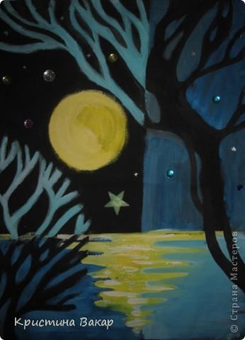 """Маляванка – это народная белорусская декоративная роспись по ткани. Вот такие картины я """"намалявала"""" в школе на занятиях по композиции...  Тихая ночь... фото 1"""
