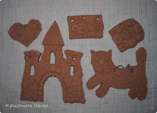 Моя сестра Ульяна ходит на кружок по керамике. Вот некоторые её работы. Не судите строго, ей всего 9 лет))))) фото 2