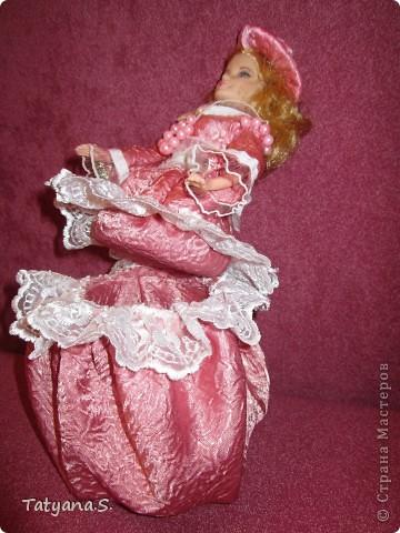 Насмотревшись на работы многих мастеров, решила попробовать сделать куклу-шкатулку. Вот такая получилась шкатулочка! фото 2