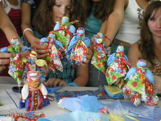 Вепская кукла кормилка. Детям очень понравилось ее делать))) фото 1