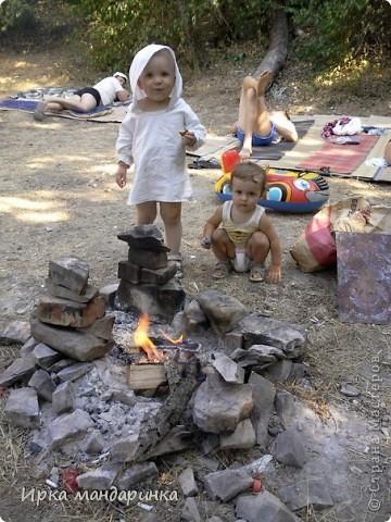 Добрый день, дорогие жители СМ. Как то раз попросила меня сестренка сделать туничку для своего малыша. Лето они проводят в Анапе и, естественно, племяшу необходима какая-то защита от палящего солнца.  фото 3