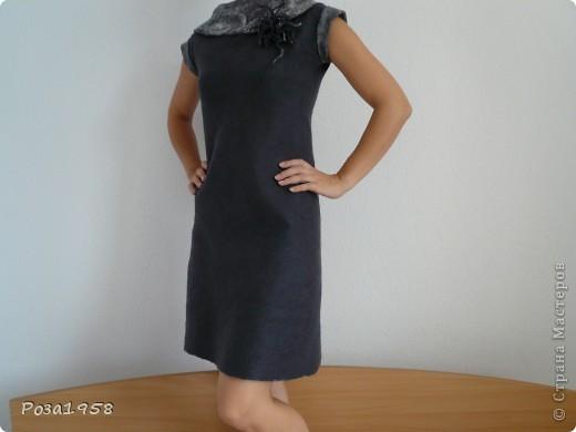 Валяное платье.Двустороннее.Шерсть меринос.Украшено вискозой.Брошь в комплекте. фото 3