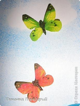 """Здравствуйте, дорогие жители СМ! Кто из нас (хотя бы во сне) не мечтал полетать, посмотреть свысока на земную красоту, ощутить себя лёгким, невесомым и """"крылатым""""? Именно с этими мыслями я  и создавала своих танцовщиц))) Этой работой заканчиваю серию летних красоток, а в планах уже зреют осенние. Низ картины, бабочки и шарики - декупаж. Фон неба сделан по МК Виты http://stranamasterov.ru/node/394356 ) фото 2"""
