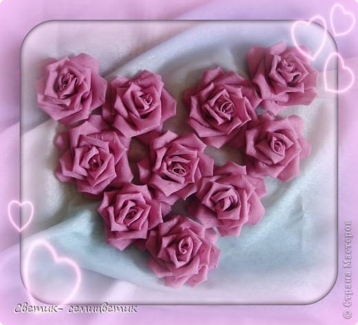 Милые девушки и... девочки! Я продолжаю учиться мастерить розы в технике Цумами Канзаши. Мой первый опыт здесь: http://stranamasterov.ru/node/381384 . Учусь я по МК Полыни: http://stranamasterov.ru/node/269709?c=favorite . фото 5