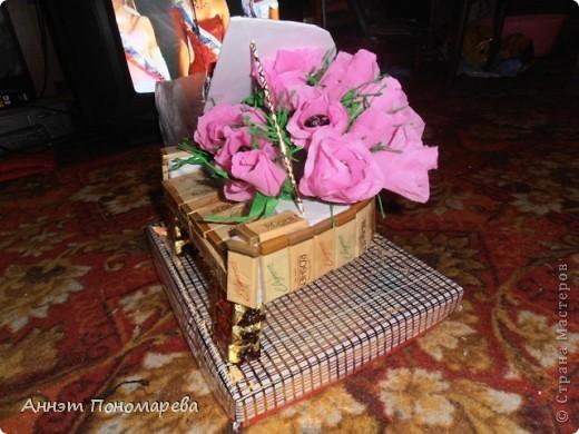 Сладкий подарок для племянницы! Моя племянница занимается музыкой (играет на фортепиано) вот так и решилась проблема с формой свит-букета! фото 4