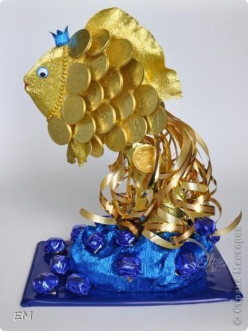 Всем здравствуйте! Вот такая у меня золотая рыбка получилась. Переживала, что не получится и заказ придётся отменить - как всегда срок дали 1 день, но...вроде ничего получилось...:) фото 2