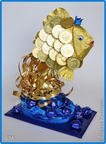 Всем здравствуйте! Вот такая у меня золотая рыбка получилась. Переживала, что не получится и заказ придётся отменить - как всегда срок дали 1 день, но...вроде ничего получилось...:) фото 1