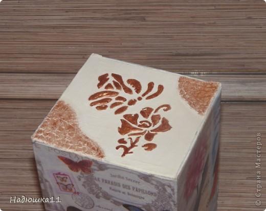 Очередная коробочка под всякие мелочи, нитки, например. Очень понравились салфетки в интернете, а в продаже их нет.... Пришлось сделать распечатку на фотобумаге фото 4