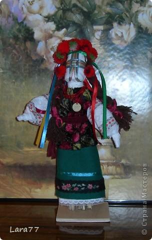 Эти куклы сделаны по мотивам старинных народных украинских обереговых кукол- мотанок. фото 2