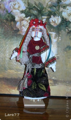 Эти куклы сделаны по мотивам старинных народных украинских обереговых кукол- мотанок. фото 1