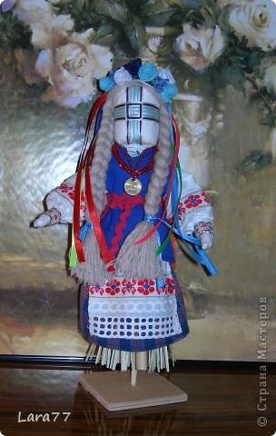 Эти куклы сделаны по мотивам старинных народных украинских обереговых кукол- мотанок. фото 4