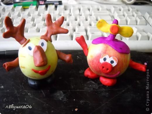 в садике попросили поделки на конкурс (яблочный спас) так как времени было очень мало, творили с сынишкой на скору руку....ну что ж уж получилось))))) фото 3