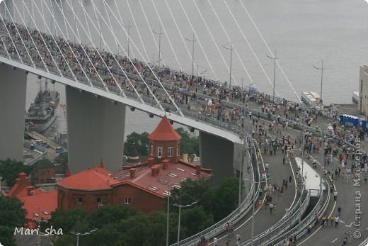 УРА! Во Владивостоке открыли мост через Золотой Рог. На выходные (11 и 12 августа) его открыли только для пешеходов, а с понедельника по нему уже пустили автомобили. фото 16