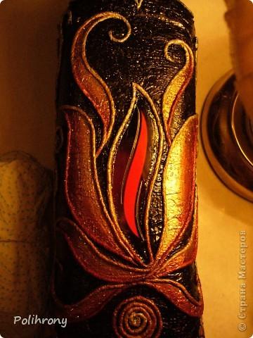 Добрый день, страна!  Представляю две бутылки оформленные в качестве подарков.   Сказочная птица с роскошным оперением является сюжетом многих моих работ.  И на этот раз я снова обратилась к орнитологической теме.  Птички на обратной стороне.  фото 11