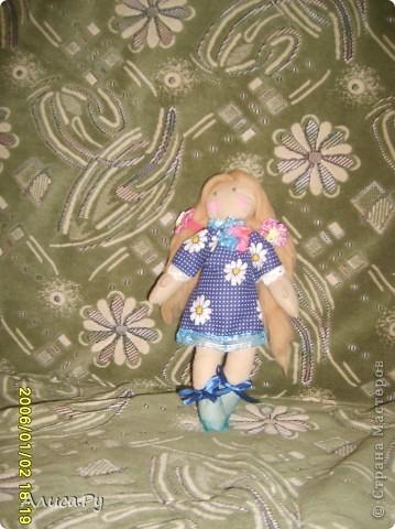 Это Элли, куколка по СП  Натальи VASHNET. Кукол оказалось шить очень сложно, поэтому шить Элли мне помогала бабуля.  фото 3