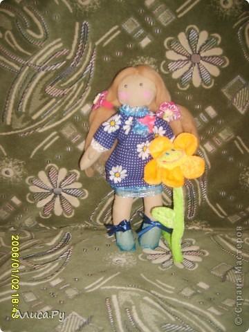 Это Элли, куколка по СП  Натальи VASHNET. Кукол оказалось шить очень сложно, поэтому шить Элли мне помогала бабуля.  фото 4
