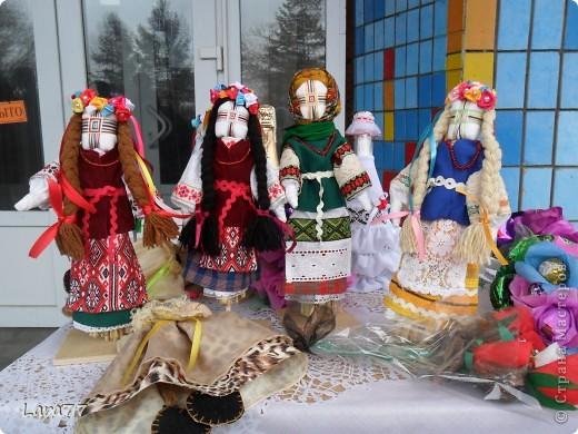 Эти куклы сделаны по мотивам старинных народных украинских обереговых кукол- мотанок. фото 5